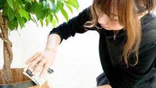 【必見掃除テクニック】隙間や狭い場所のホコリも簡単にとれて、子供も楽しく手伝ってくれるある方法とは?